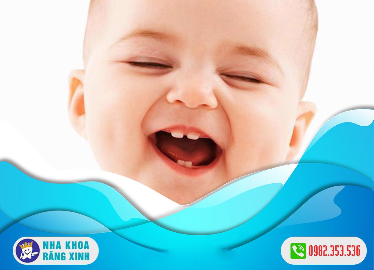 Trẻ mọc răng sớm có phải là dấu hiệu bất thường không ?